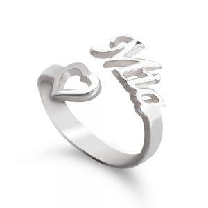 טבעת שם עם לב